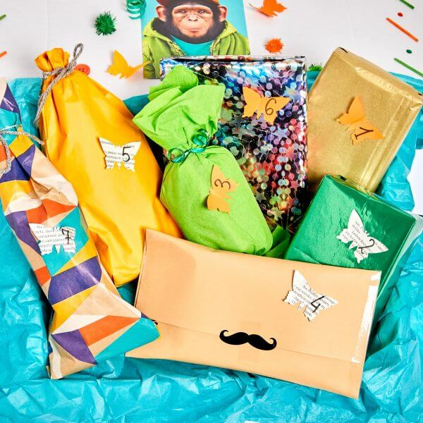7 gifts with count stickers