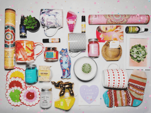 display of products in book and tea gift box